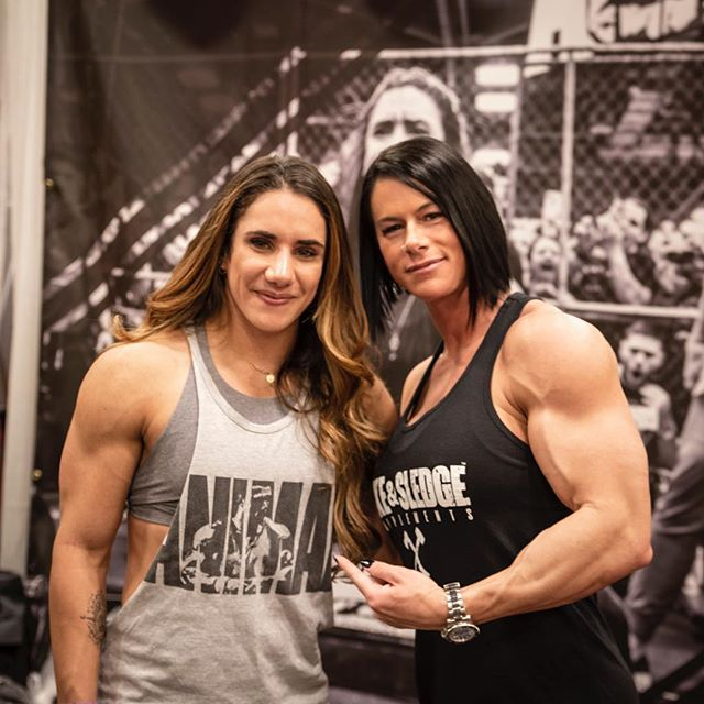 People often assume I'm strong however @steficohen right here is the strongest woman on the planet for our size! - Congratulations on the 495lb squat in the @animalpak cage! - - - #asf2019 #arnoldclassic2019 #arnoldexpo #girlswholiftheavy #girlswhopowerlift #animalpak #hybridperformancemethod #girlswithmuscle