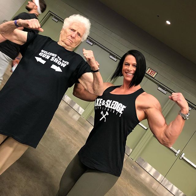I think she out angled me... - - - - #asf2019 #welcometothegunshow #grandma #lifts #girlswithmuscle #arnoldclassic2019 #fuckskinnygethuge #axeandsledge #girlsthatlift