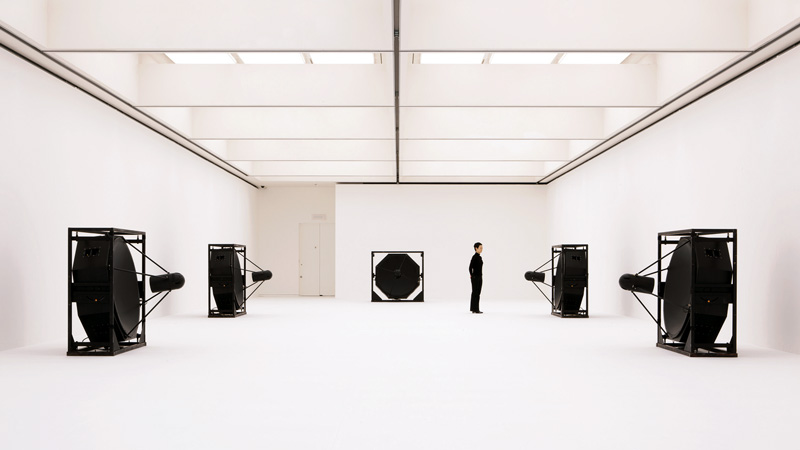 matrix [5ch version], sound installation, 2009 © Ryoji Ikeda, photo by Ryuichi Maruo
