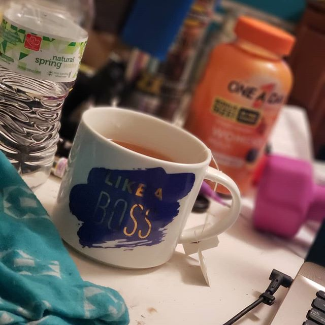 Whatcha rockin like a boss today? I'm rockin this messy desk and my cute mug from @target ($5.99 y'all 😍) . Usually, I'd straighten up my desk and the background but I'm over that s!*&. . ✔Yes, I have 4 kids. ✔Yes, my desk is a dumping ground for all the things. ✔Yes, I wish I could keep it tidier and I DO understand a clean space is a happier space. . BUT...I'm just picking my battles with this one and appreciating the mess and the quiet of being the only one awake. . And HELL NO, I'm not spending this precious time CLEANING 🤷🏾‍♀️ #Sorry #notsorry #likeaboss #likeaboss😎 #likeamomboss #cutemugs #teamug #coffemug #targetshopping #clutter #cluttereddesk #earlybirding #quiethouse #myworkspace #pickyourbattles #chooseyourbattles #issano #nopenottoday #appreciatethegood #wahmchronicles #momof4