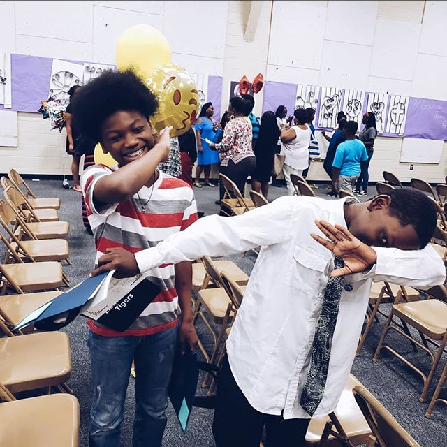 Dab on THAT elementary school 😅 • Kel is saying ✌🏾 to elementary and 👋🏾 to middle school. • What's some advice you'd give your middle school self? I'll be sure to pass it on to him 😍  #graduationday🎓 #proudmama #smartkid #smartkids #prouddaddy #holdingbacktears #growingupsofast #growingupfast #elementarygraduation #schoollife #futurescholar #futureartist #wheredoestimego #momtears #smartypants #hesgoingplaces #milestone #letsummerbegin #hemadeit #milestones #educationmatters #ipreview @preview.app