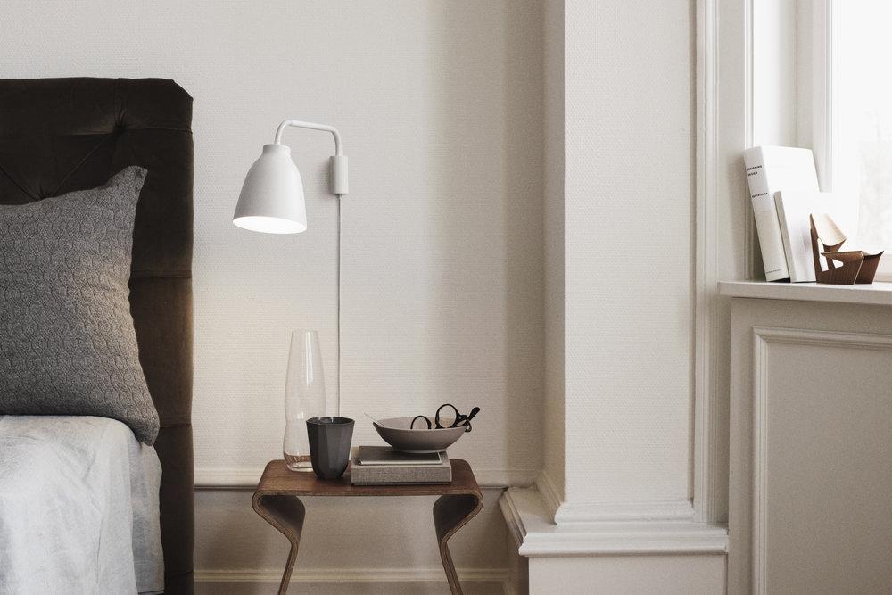 7015_Caravaggio Read Wall White - install. 14538.jpg.jpg