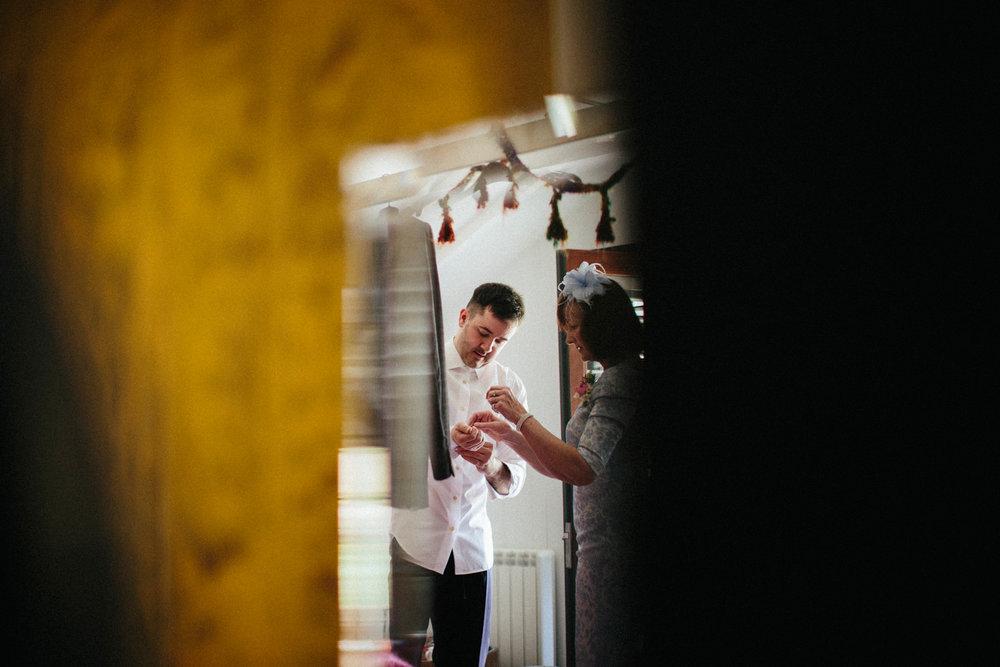 WEDDING PHOTOGRAPHy AT LOWER BARN (51).jpg