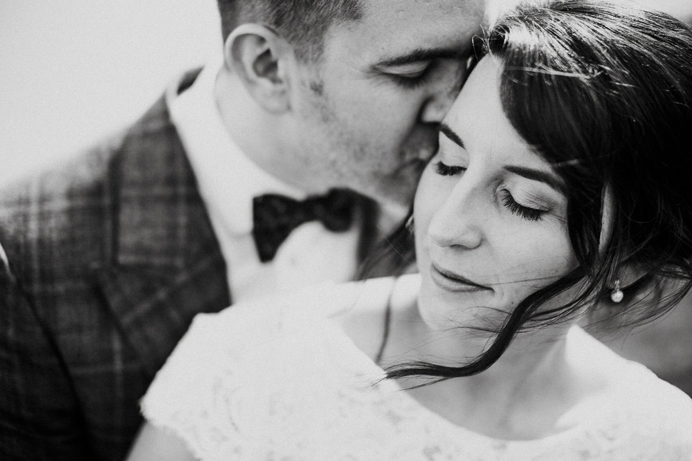 WEDDING PHOTOGRAPHy AT LOWER BARN (111).jpg