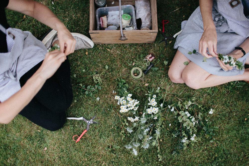 WEDDING PHOTOGRAPHY AT CORNISH TIPIS (11).jpg