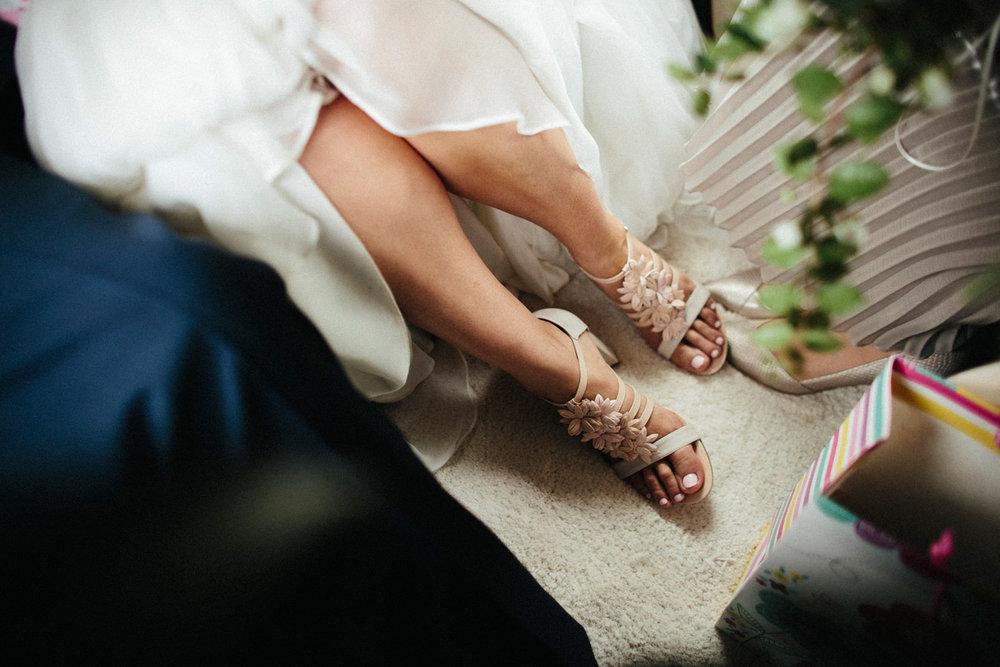 WEDDING PHOTOGRAPHY AT CORNISH TIPIS (41).jpg