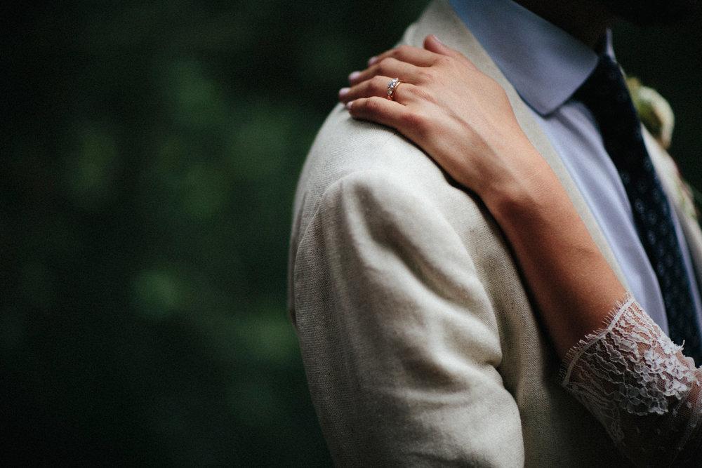 WEDDING PHOTOGRAPHY AT CORNISH TIPIS (162).jpg