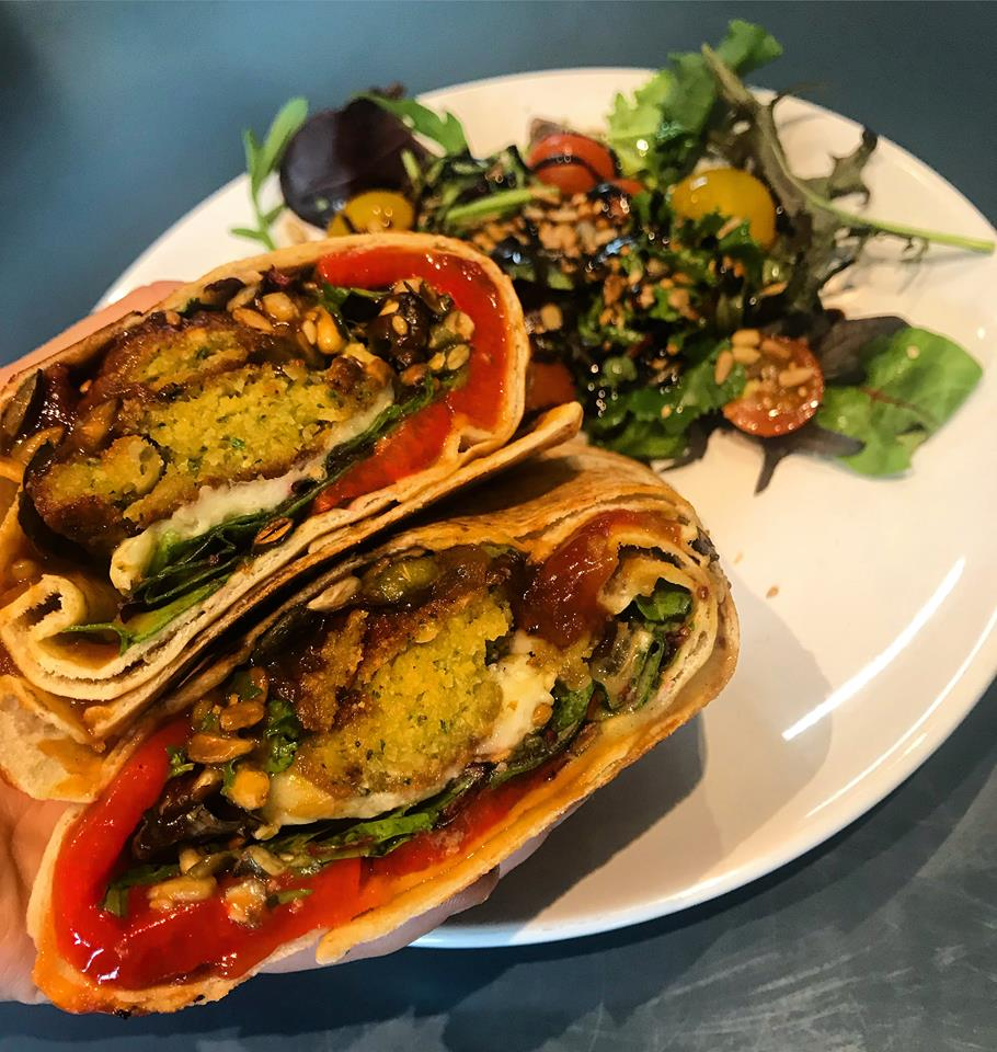 Falafel, Roasted peppers & houmous flatbread -