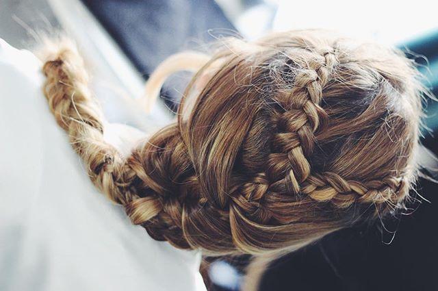 La trenza de Daniela #noviaslauraoceania #maquillajedenovia #bridalhair #bridalmakeup #bride #braids #lauraoceania #estudiolauraoceania #novias2018