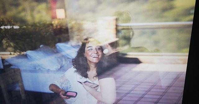 Esa sonrisa es un regalo. Tras años trabajando en esto no hay nada que me llene tanto. No es el camino más fácil, ni el más valorado. De hecho es un camino muy solitario en el que los triunfos son tuyos pero las derrotas también. Cada año que pasa va mejorando y dejándome claro que es mi camino, y que hice bien en elegirlo a pesar de ir en contra de lo que mucha gente considera como adecuado. Tu sonrisa es todo lo que necesito para seguir. #makeupartist #bridalmakeup #novias #bride #lauraoceania