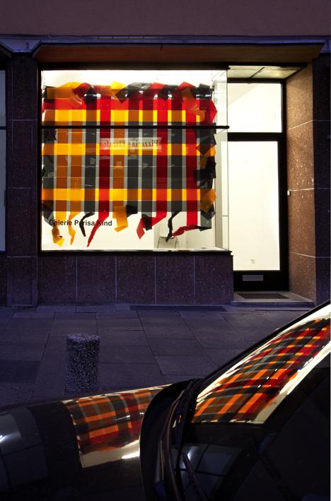 "Olaf Metzel: ""Gute Laune"", 2006, Exhibition views Galerie Parisa Kind, Frankfurt am Main"