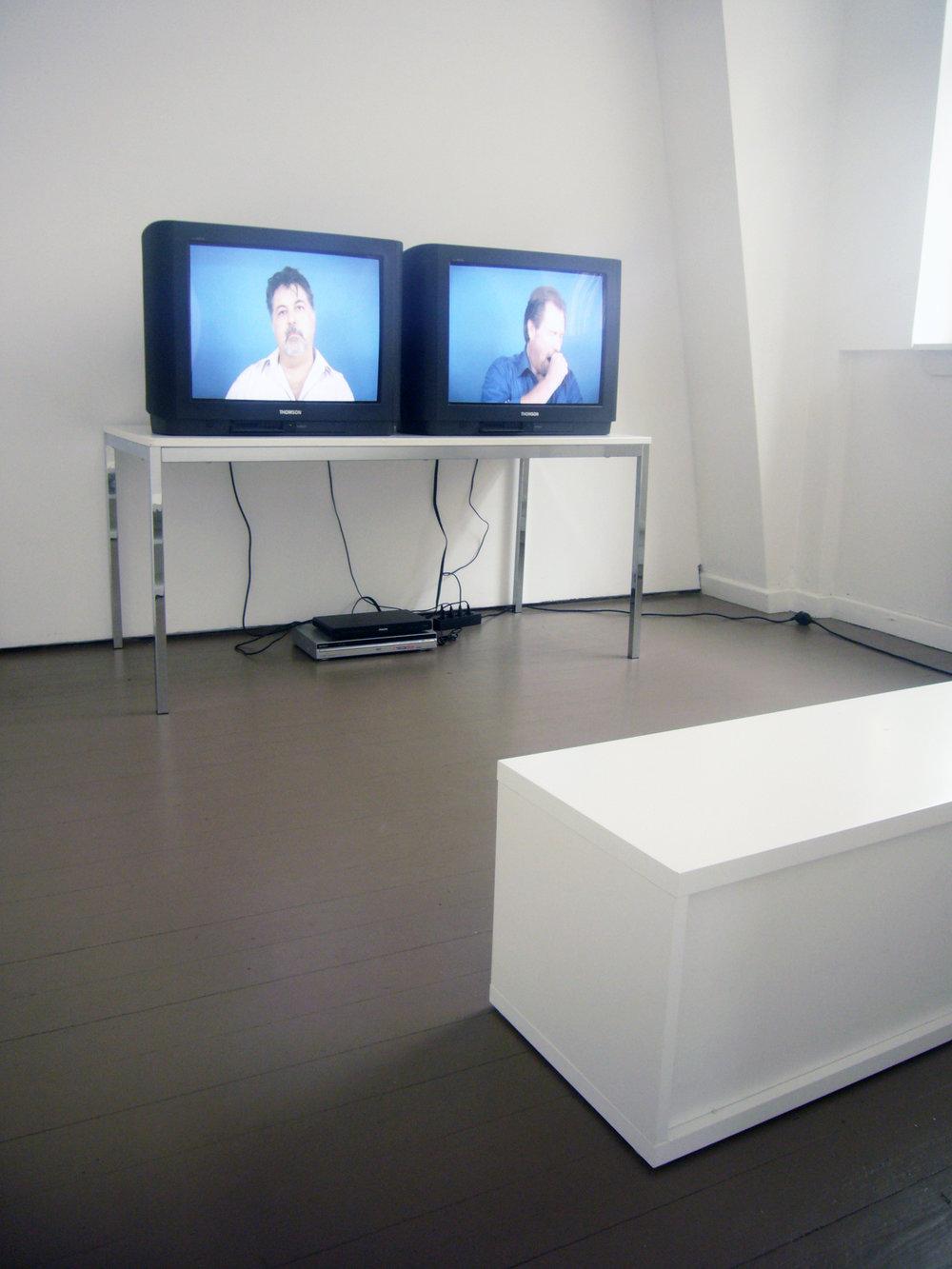 "Julien Bismuth: ""Titled (Untitled)"", 2009, Exhibition views Galerie Parisa Kind, Frankfurt am Main"