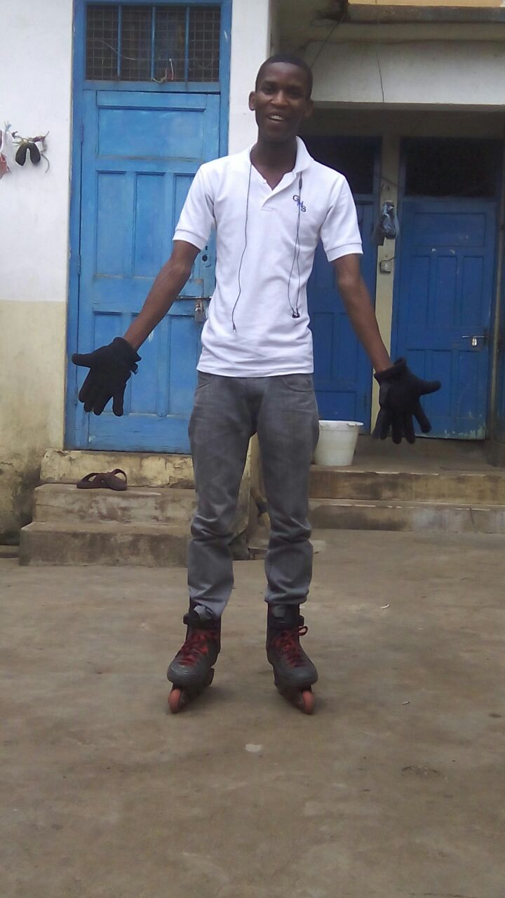Emmanuel learning to roller skate