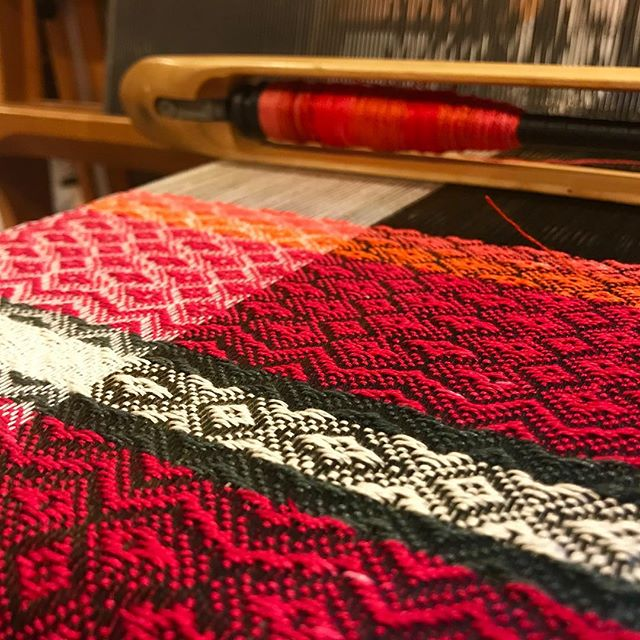 "Last week @naro_oran was in @leedyvoulkosartcenter looking at @haroldsmithart amazing show. I told Dwight that Harold inspires me to use brighter colors especially pink and orange... I have two more scarves to weave with this beautiful yarn...I looked at my bucket of bright pinks and oranges yarn and knew right away I needed to use them. Thanks @haroldsmithart for making such inspiring work. I will be working this week 11-3pm Wednesday-Friday and Saturday 11-5pm at @leedyvoulkosartcenter Stop by to see (me😊 and ) Harold's show ""Purpose""."
