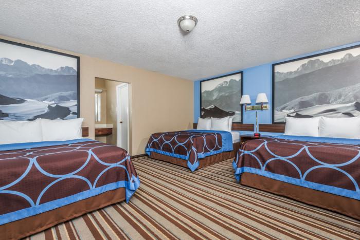Monarch_Family_Room.jpg