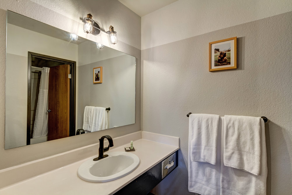 Salida bathroom.jpg