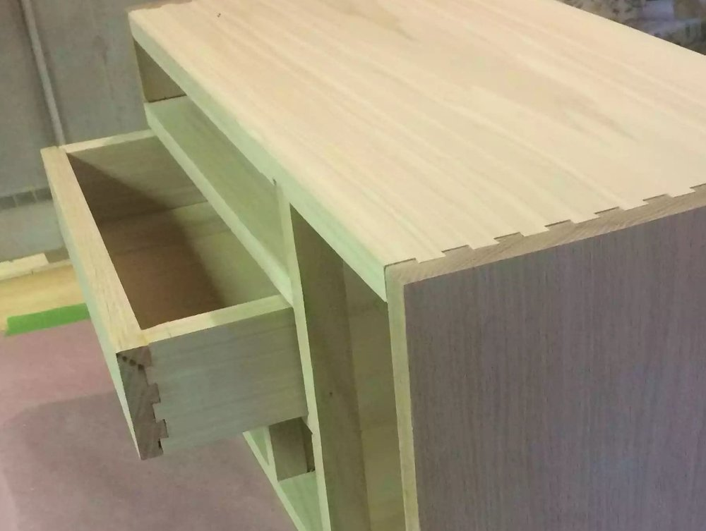 Half blind dovetails on the drawer