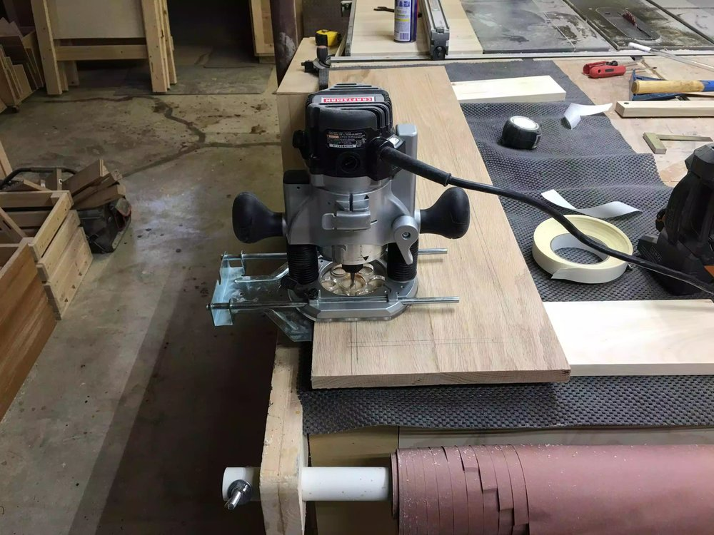 Plunge Router with edge guide