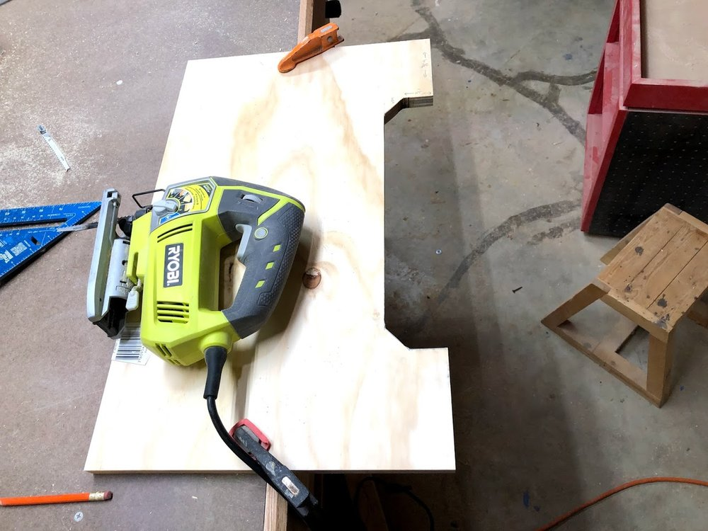 I used my Ryobi jigsaw to cut out the shape and it came out great, the edges were a little rough but I will be sanding them and probably using my router later on to clean up the edges and remove any sharp corners to it.