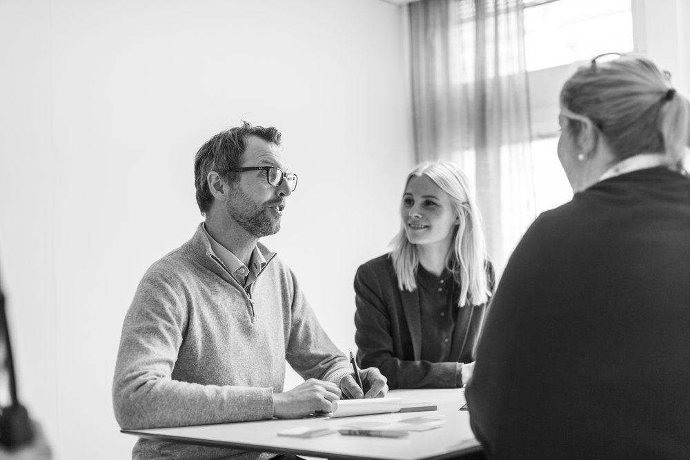 Ledarskapsutveckling - Framgångsrika ledare är medvetna om sina styrkor och öppna för utveckling. Vi hjälper dig att bygga en organisation där människor arbetar effektivt genom att nyttja sina talanger och bearbeta sina utvecklingsområden. Vi utvecklar individer och ledningsgrupper genom att kartlägga personlighet, grupproller, operativt ledarskap och strategisk kapacitet.För mer information:Carolina EngströmE-mail | +46 708 46 13 47