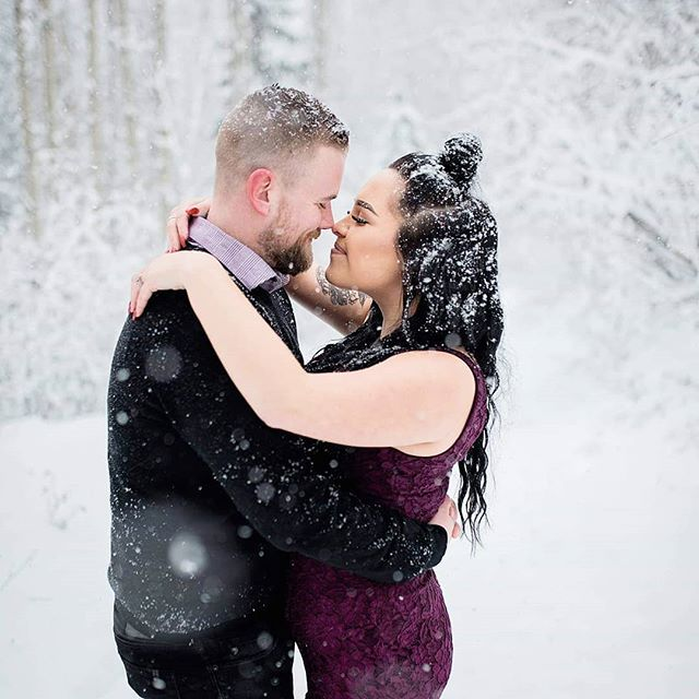 Two days after this session, we are now seeing - 31 degrees with windchill. It's a good thing we did this session when we did! Brittany and Simon's snowy engagement session is on the blog! link in my insta biography. . . . #breeorserphotography #engaged #engagementphotographer #princegeorgeweddingphotographer #princegeorgeweddingphotographer #winterwonderland #lovers #shesaidyes #mastinlabs #nikon #d750 #sigma35mmart