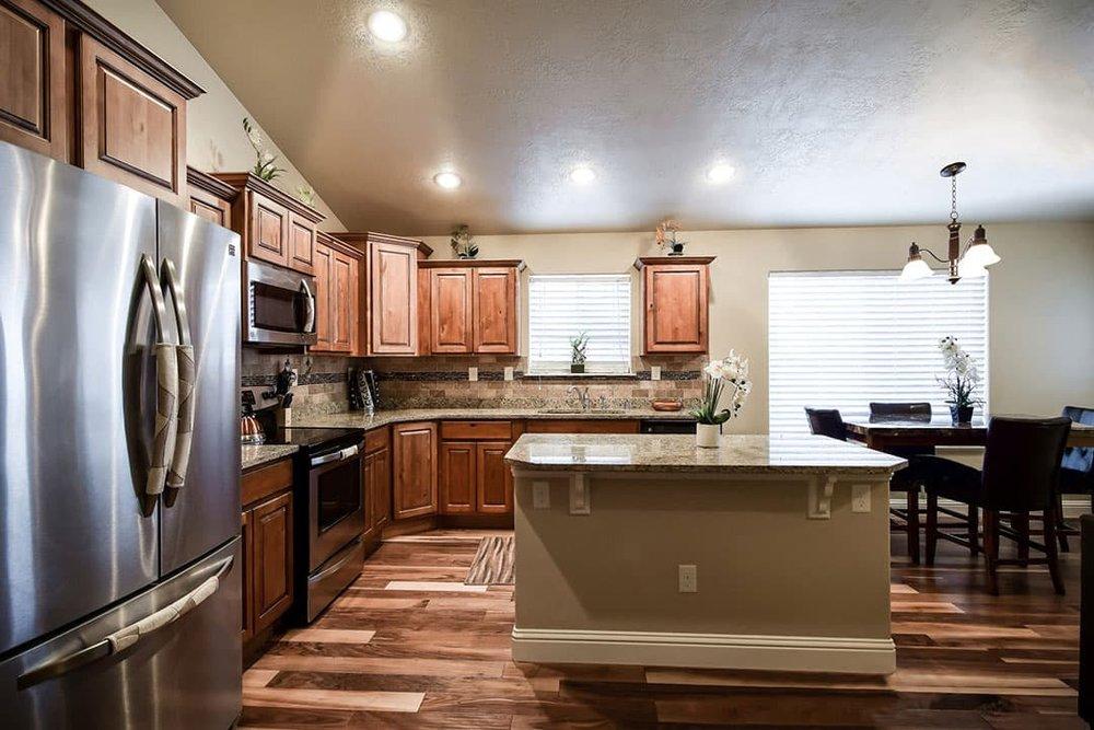 Kitchen-min.jpg