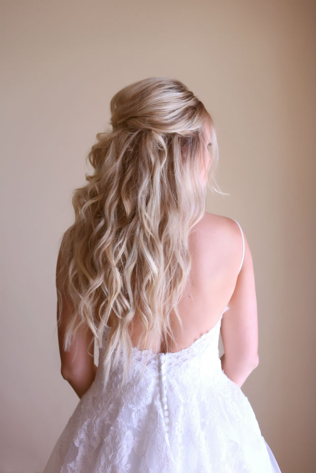 beach-waves-wedding-hairstyle.jpg