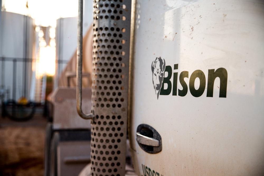 bis0-logo-truck