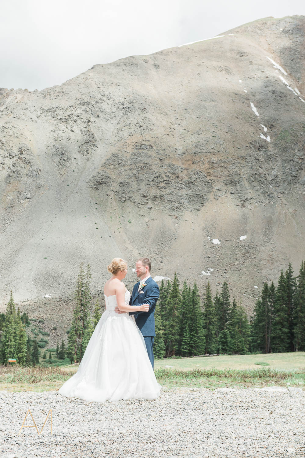 AshleighMillerPhotography-FirstLook-Colorado-Weddings-1642.jpg
