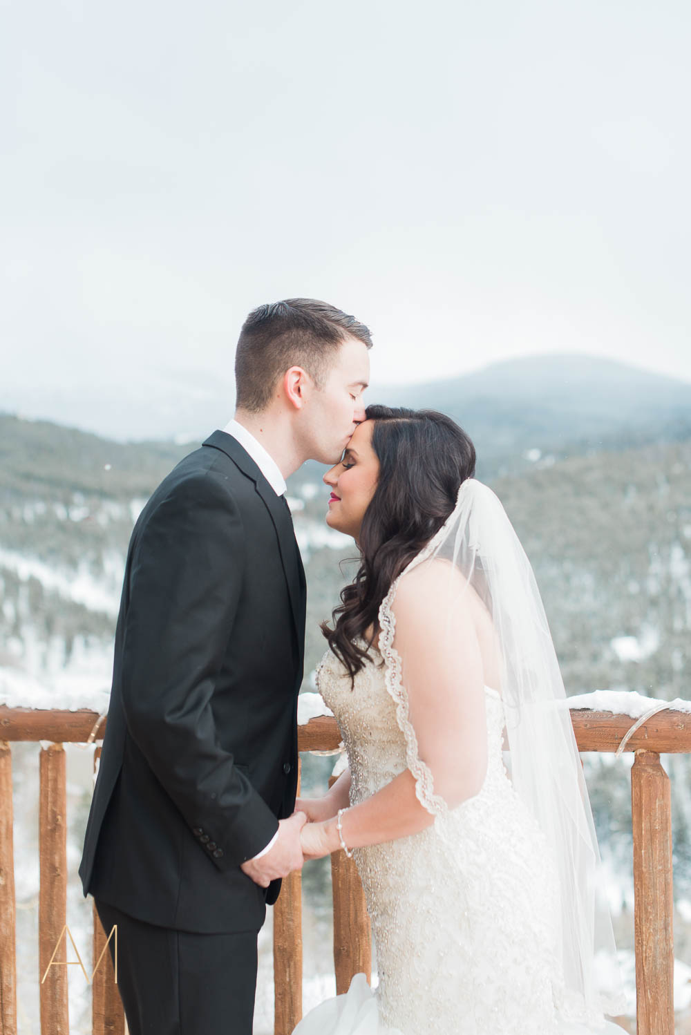 AshleighMillerPhotography-FirstLook-Colorado-Weddings-1983.jpg