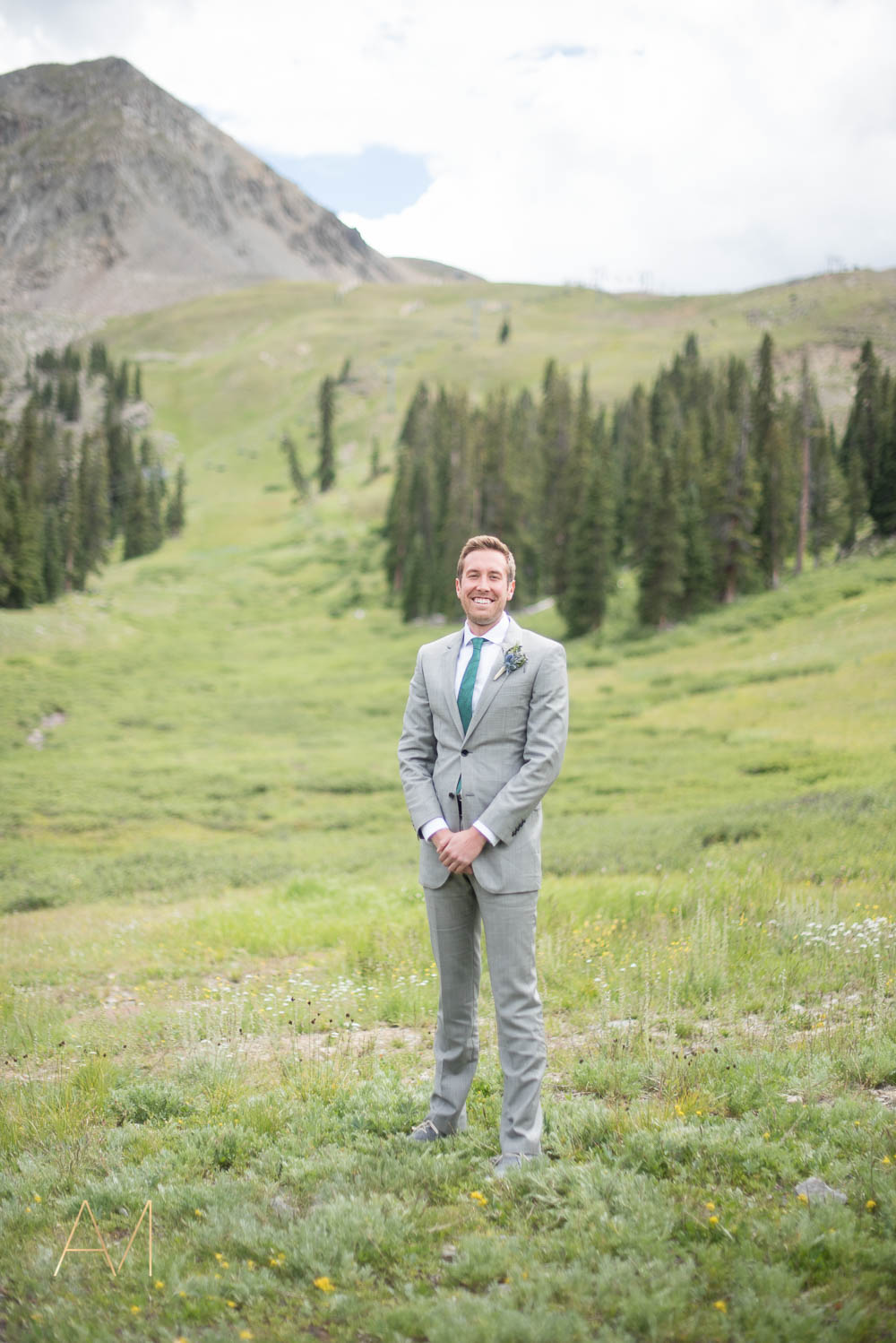 AshleighMillerWeddings-MadeleineAaron-Wedding-ArapahoeBasin-Colorado-1689.jpg