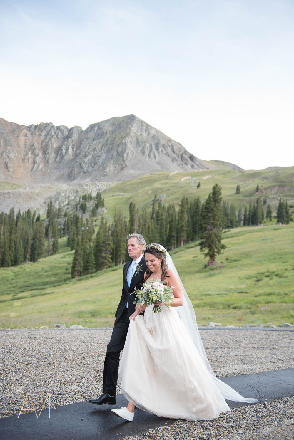 AshleighMillerWeddings-MadeleineAaron-Wedding-ArapahoeBasin-Colorado-3140.jpg
