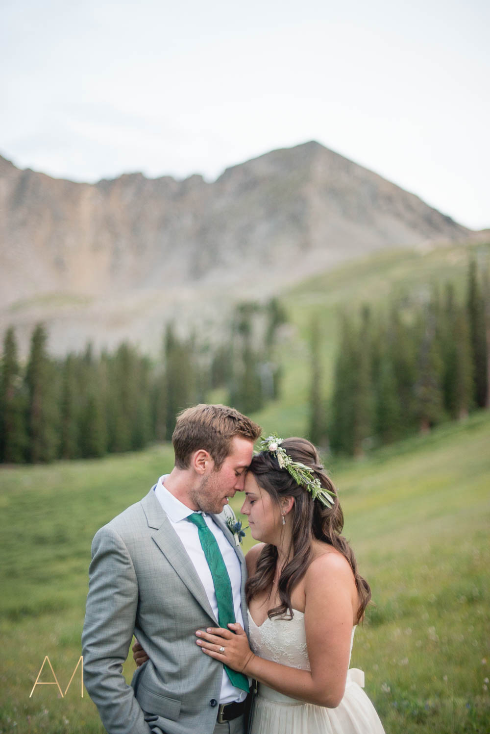 AshleighMillerWeddings-MadeleineAaron-Wedding-ArapahoeBasin-Colorado-5080.jpg