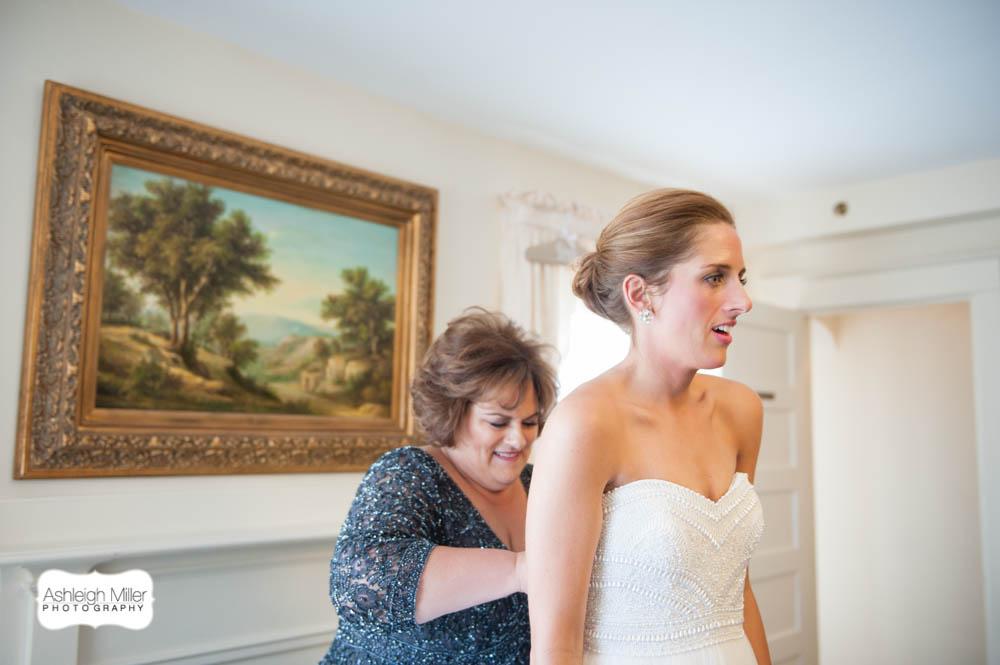 AMW-Wedding-EmilyRyan-WillowRidgeManor-1750-blog.jpg