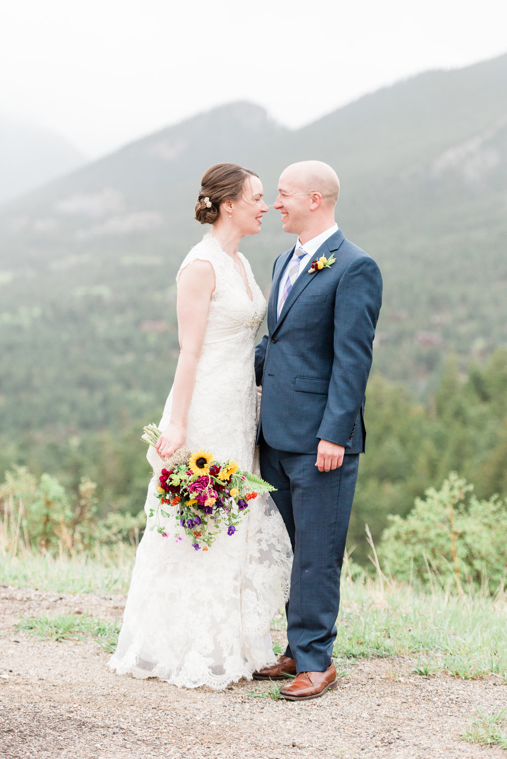 AshleighMillerPhotography-Weddings-Emily-Joe-EstesPark-Colorao-2165.jpg