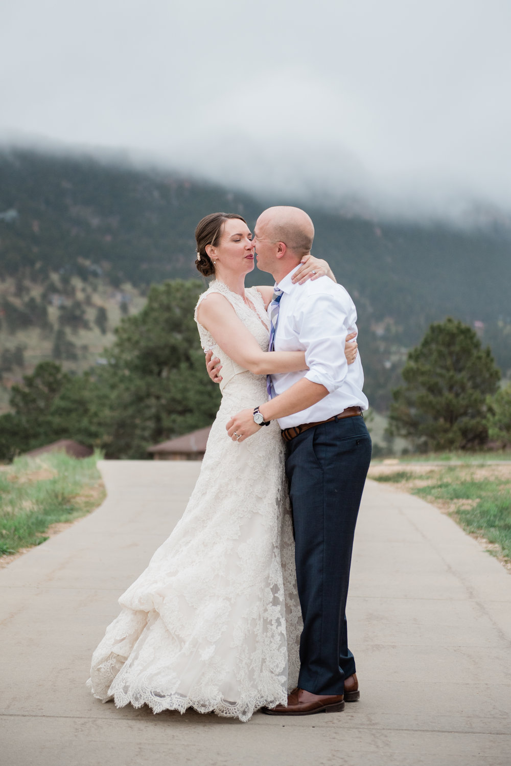 AshleighMillerWedding-EmilyJoe-Wedding-Colorado-EstesPark-3685.jpg