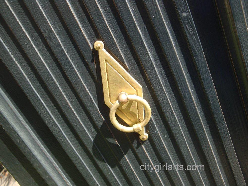 Midnight Diamond Tall Dresser ring pull
