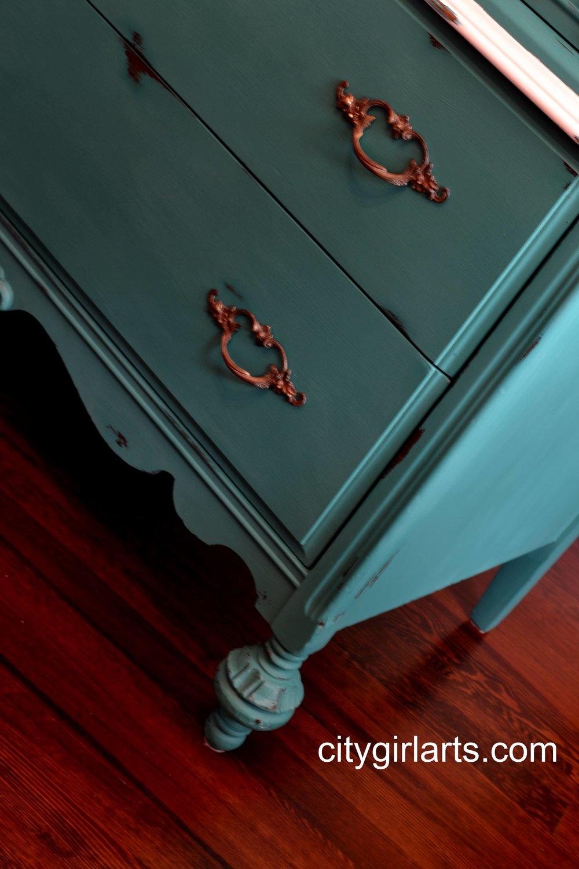 flourish dresser