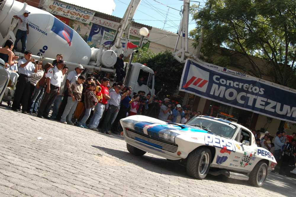Pepsi-MSD Corvette rumbles into town.jpg