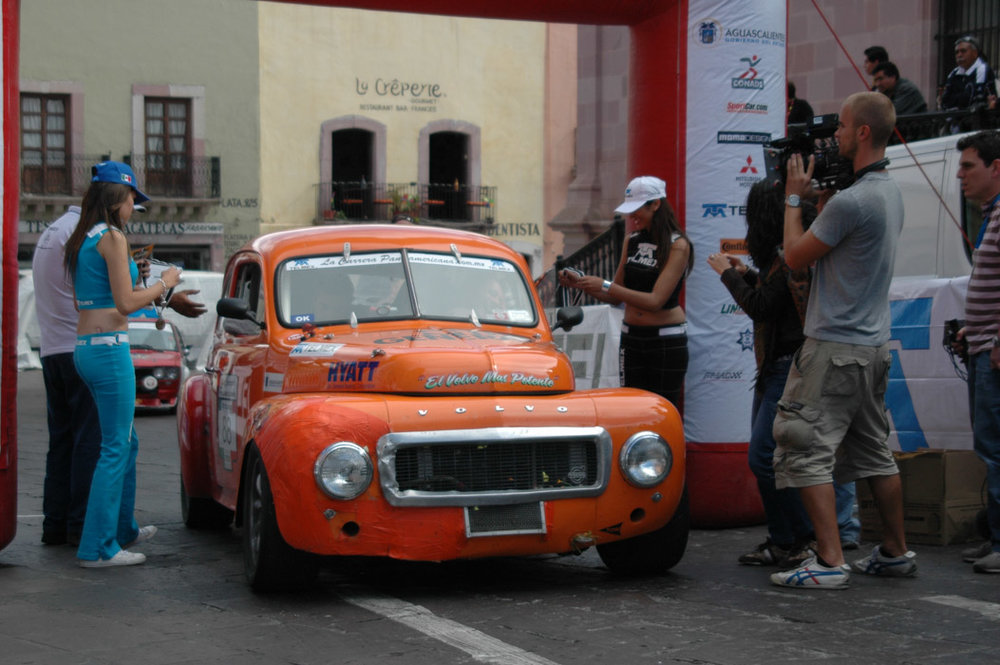 31- Bill Murray and Falcon Volvo finish at Zacatecas (1).jpg