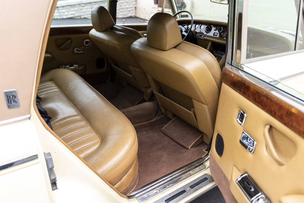 yellow rolls interiors_006.JPG