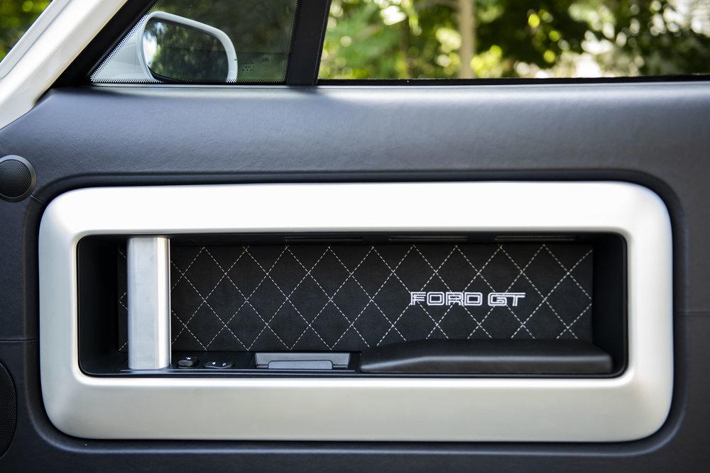 FordGT_015.JPG
