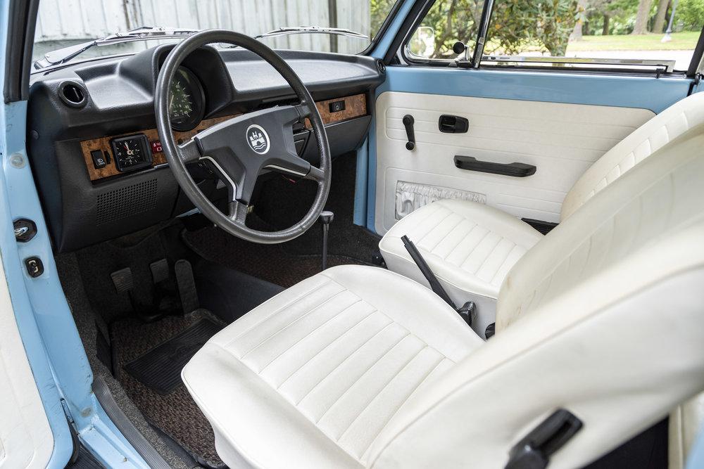 VW Bug Interior_001.JPG