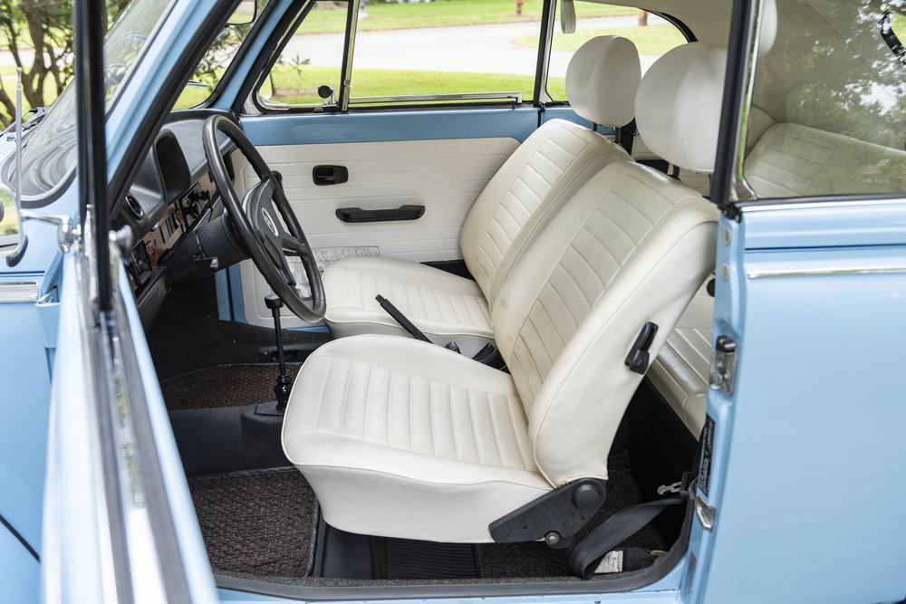 VW Bug Interior_004.JPG