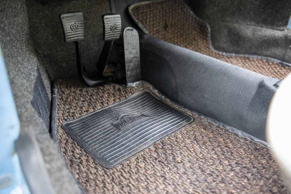 VW Bug Interior_009.JPG