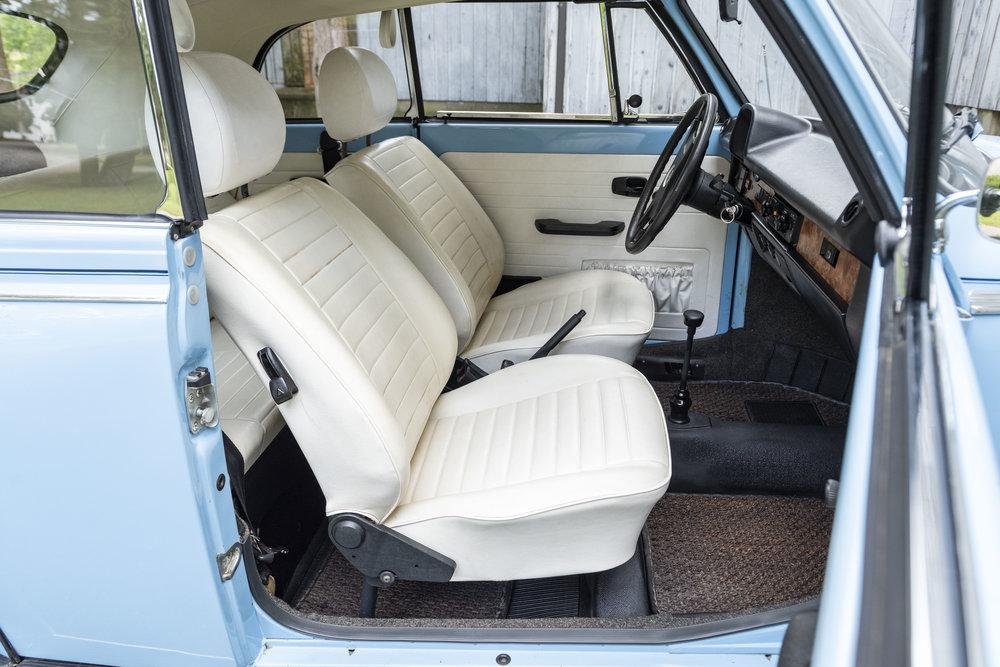 VW Bug Interior_014.JPG