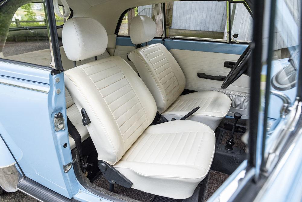 VW Bug Interior_015.JPG