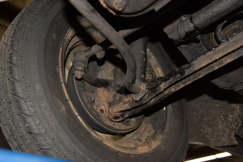 VW Bug Vert Underbody_019.JPG