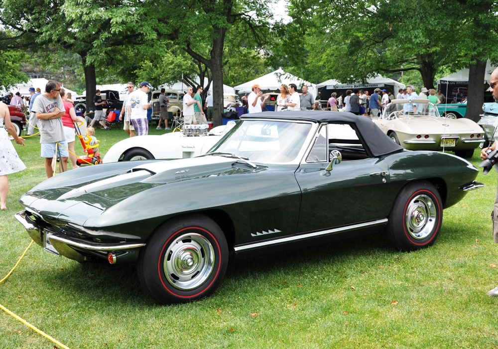 Bill Shanahan's freshly restored L88 Stingray garners an Award of Excellence...