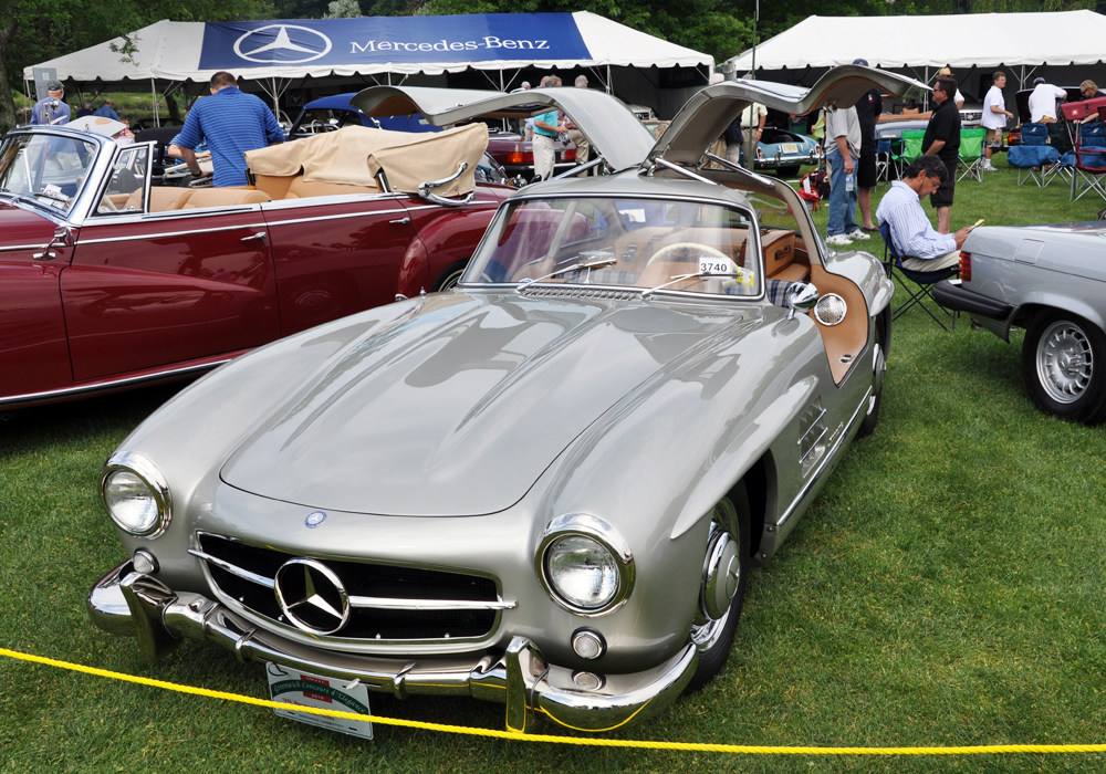 Bill Jacobs brought his superb ARI-restored Gullwing out to garner The Most Outstanding Mercedes Benz Award among some very stiff competition. Well done, Bill, thanks...